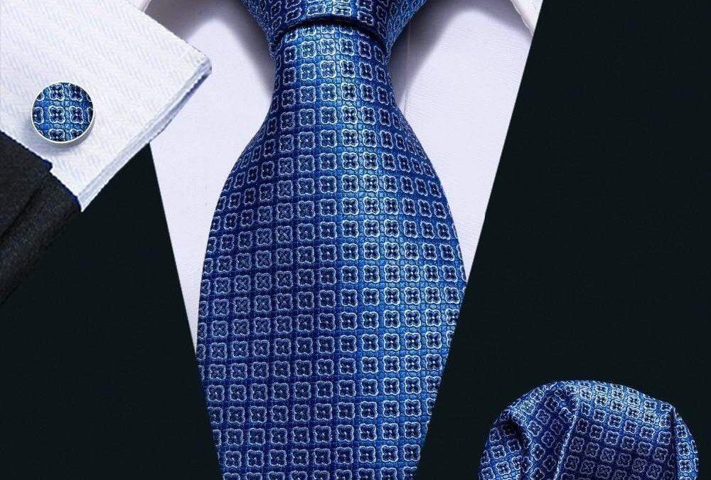 【Back to office優惠】— 買西裝送3 set恤衫套裝, HKD 2970起