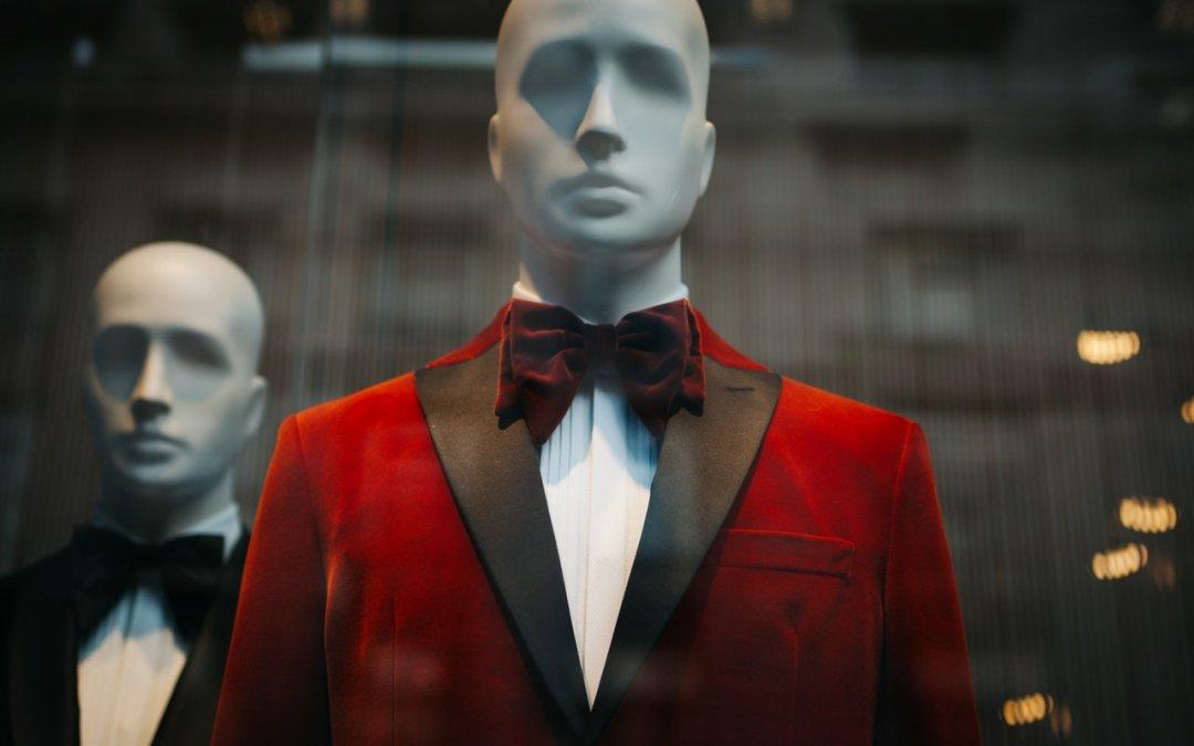 【 假人公仔 vs 真人模特兒 】 訂做西裝,哪一種的難度更大?